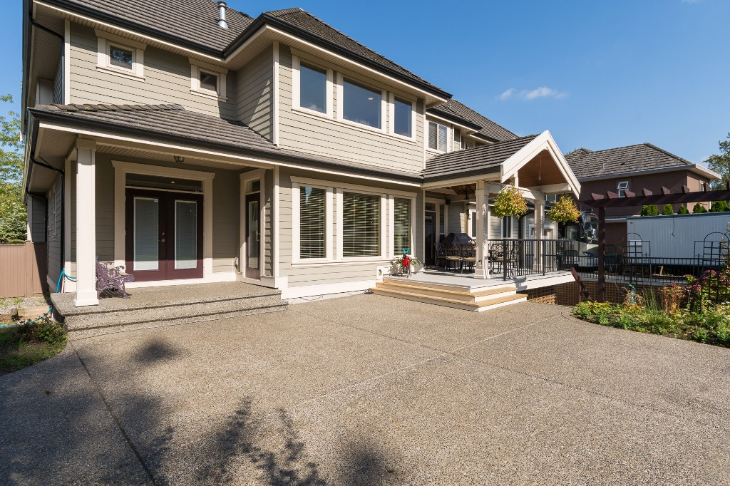 "Photo 68: 15568 59 Avenue in Surrey: Sullivan Station House for sale in ""Sullivan"" : MLS(r) # R2112571"