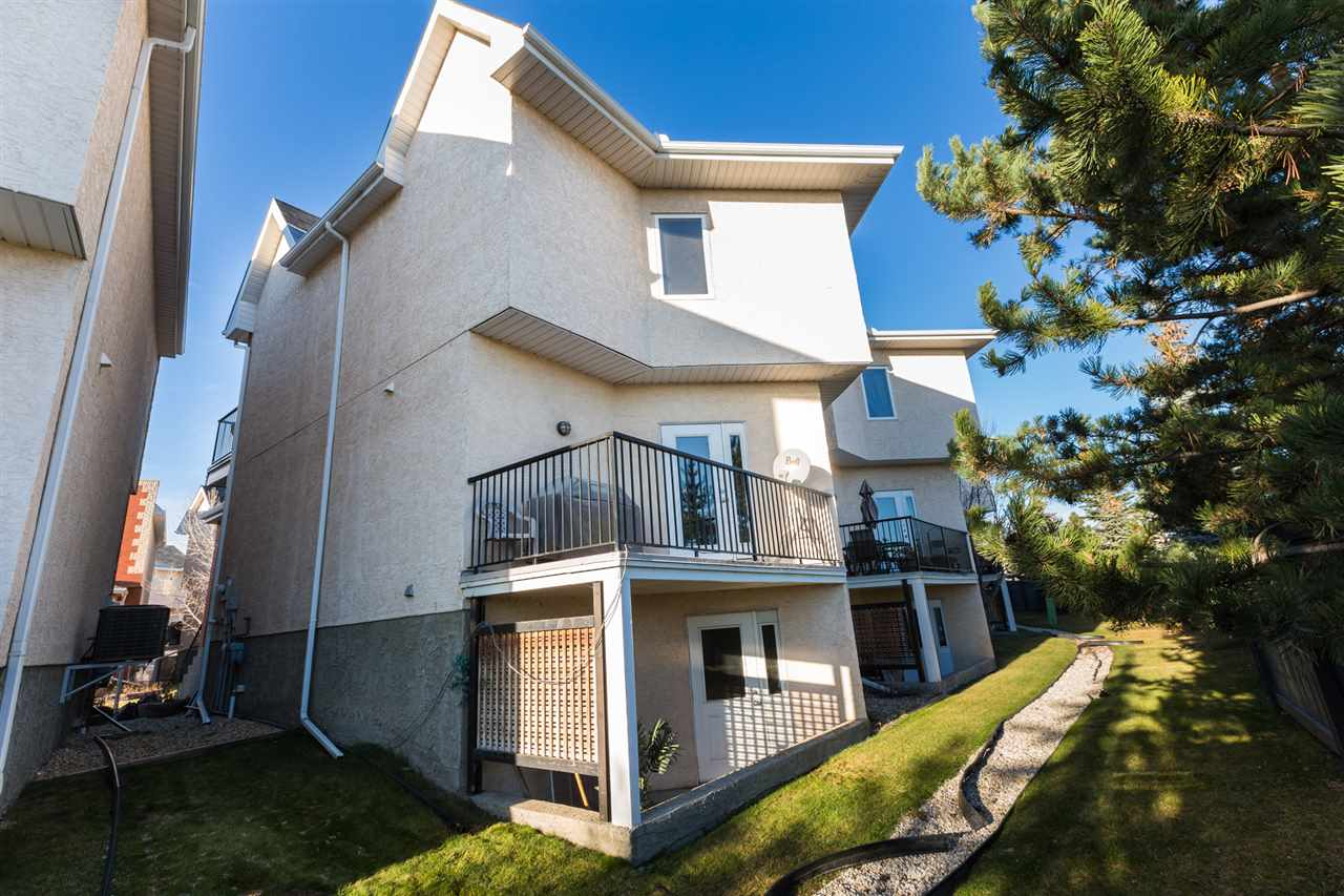 Main Photo: 19 8403 164 Avenue in Edmonton: Zone 28 House Half Duplex for sale : MLS® # E4044807