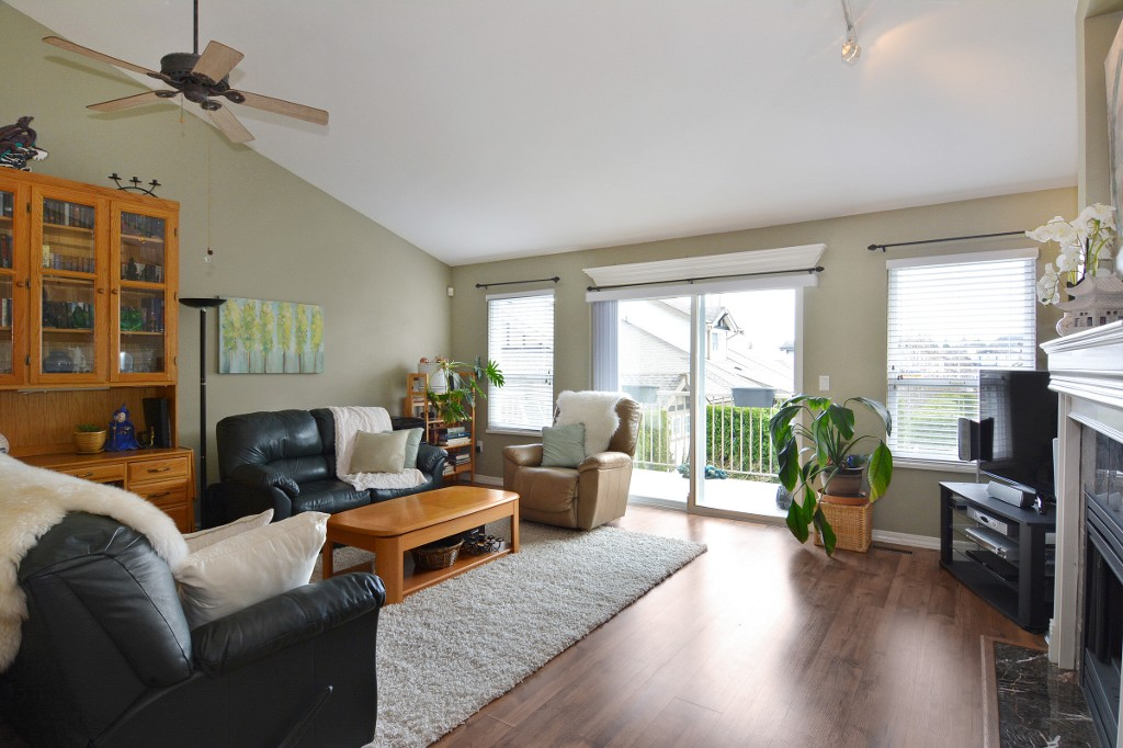 "Photo 4: 40 20222 96TH Avenue in Langley: Walnut Grove Townhouse for sale in ""WINDSOR GARDENS"" : MLS(r) # R2151621"