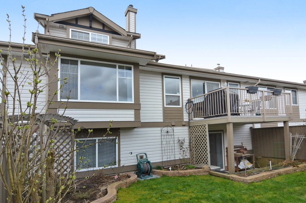 "Photo 19: 40 20222 96TH Avenue in Langley: Walnut Grove Townhouse for sale in ""WINDSOR GARDENS"" : MLS(r) # R2151621"