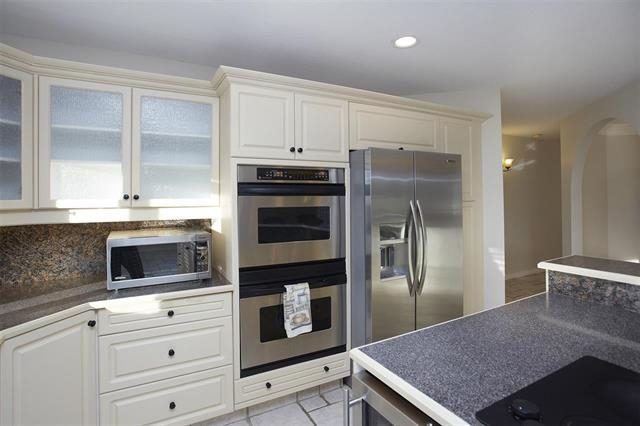 double wall ovens, beverage/wine cooler