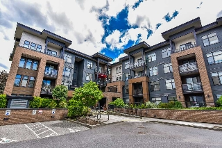"Main Photo: 102 20068 FRASER Highway in Langley: Langley City Condo for sale in ""Varsity"" : MLS(r) # R2175148"
