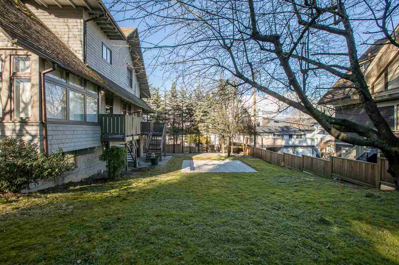 "Photo 10: 1215 W 16TH Avenue in Vancouver: Fairview VW House for sale in ""FAIRVIEW"" (Vancouver West)  : MLS(r) # R2175855"