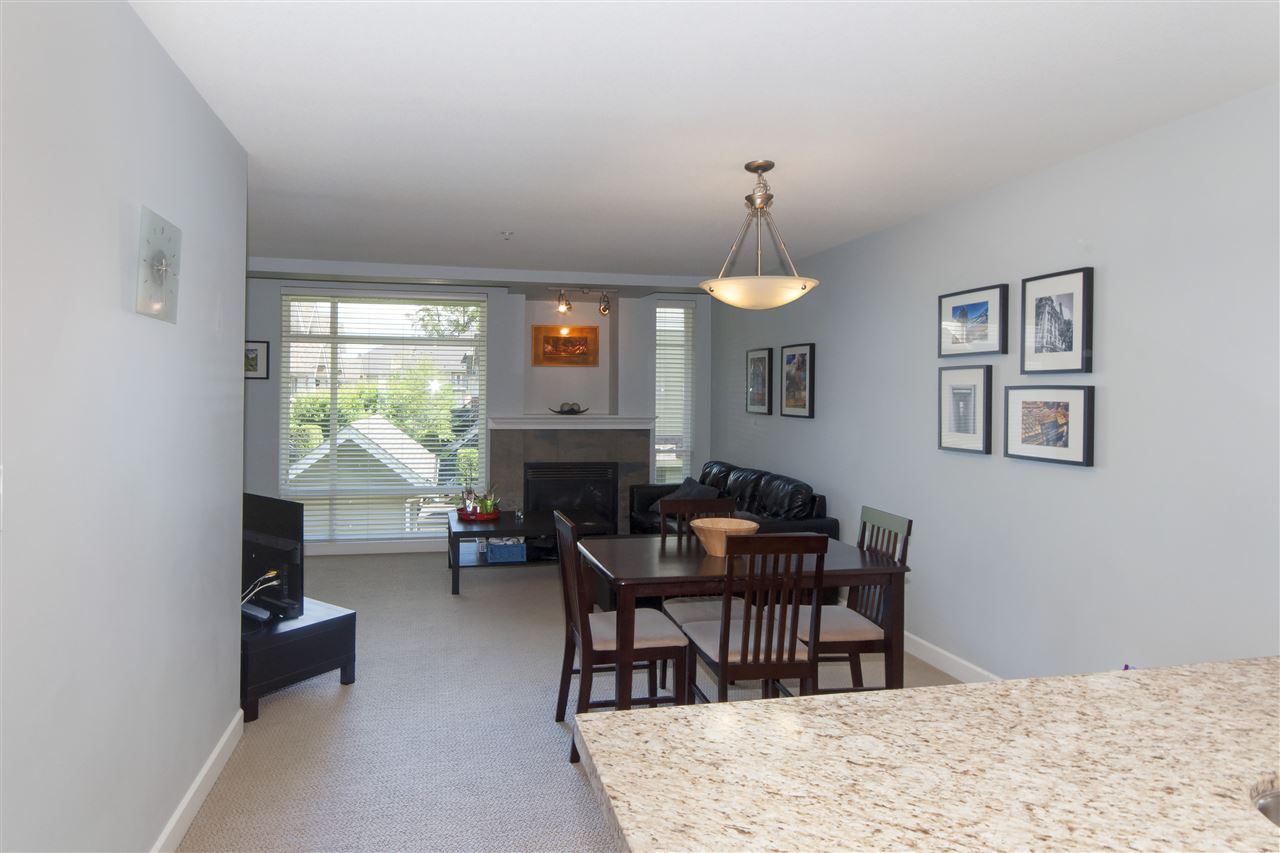 Photo 2: 206 3150 VINCENT Street in Port Coquitlam: Glenwood PQ Condo for sale : MLS(r) # R2176418