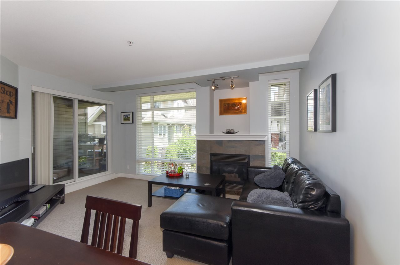 Photo 3: 206 3150 VINCENT Street in Port Coquitlam: Glenwood PQ Condo for sale : MLS(r) # R2176418