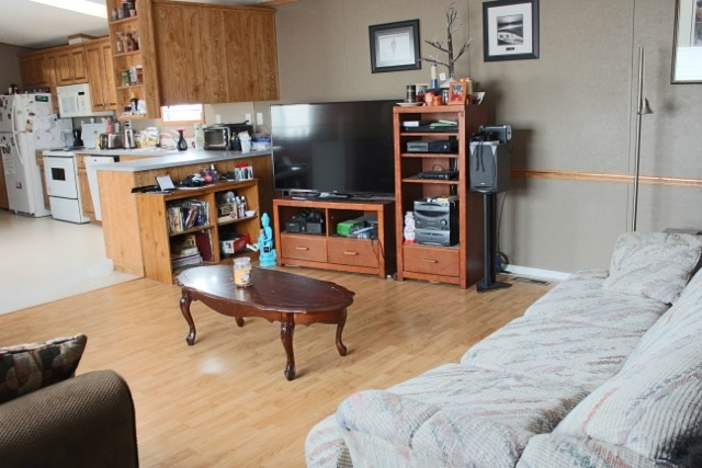 Photo 4: 1461 Lakeland Village Boulevard NW: Sherwood Park Mobile for sale : MLS(r) # E4069783