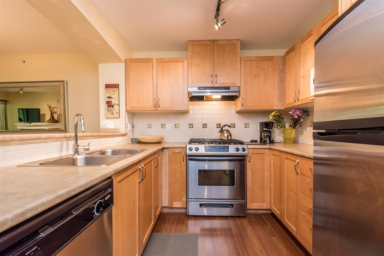 "Photo 3: 508 2959 SILVER SPRINGS BLV Boulevard in Coquitlam: Westwood Plateau Condo for sale in ""TANTALUS"" : MLS(r) # R2185390"