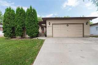 Main Photo: 18212 74 Avenue in Edmonton: Zone 20 House for sale : MLS(r) # E4073065