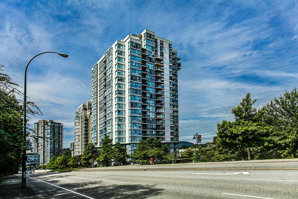 "Main Photo: 403 235 GUILDFORD Way in Port Moody: North Shore Pt Moody Condo for sale in ""THE SINCLAIR"" : MLS® # R2187020"