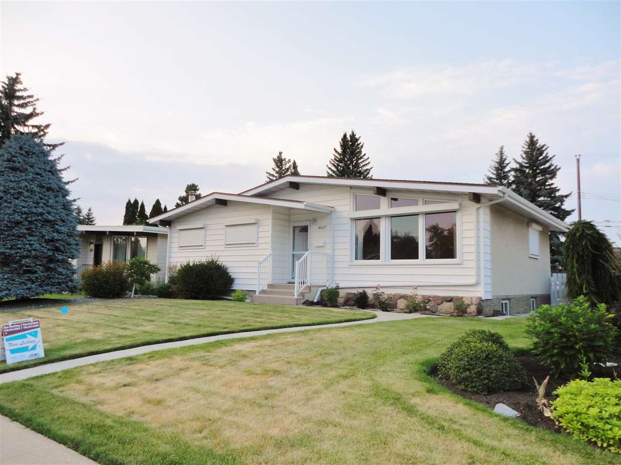 Main Photo: 4607 113A Street in Edmonton: Zone 15 House for sale : MLS(r) # E4074469