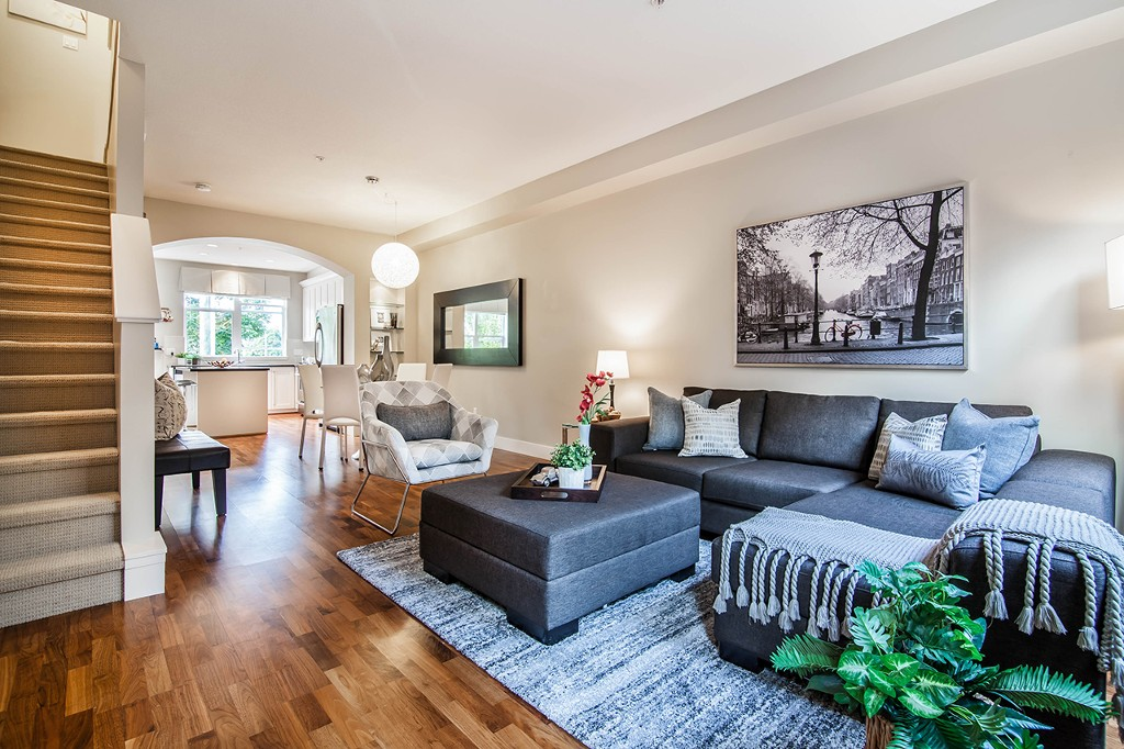 "Main Photo: 2 5808 TISDALL Street in Vancouver: Oakridge VW Townhouse for sale in ""TOWNE"" (Vancouver West)  : MLS®# R2193828"