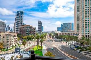 Main Photo: DOWNTOWN Condo for sale : 2 bedrooms : 700 W Harbor Dr #802 in San Diego