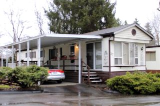 "Main Photo: 37 7850 KING GEORGE Boulevard in Surrey: East Newton Manufactured Home for sale in ""BEAR CREEK GLEN"" : MLS® # R2231613"