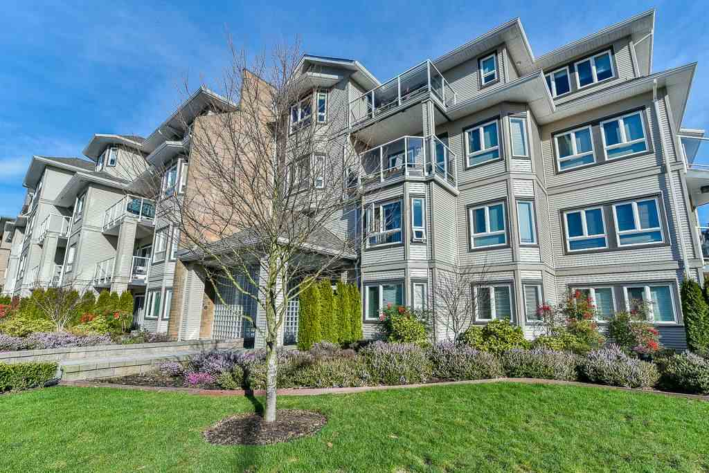 "Main Photo: 112 8142 120A Street in Surrey: Queen Mary Park Surrey Condo for sale in ""STERLING COURT"" : MLS® # R2240063"