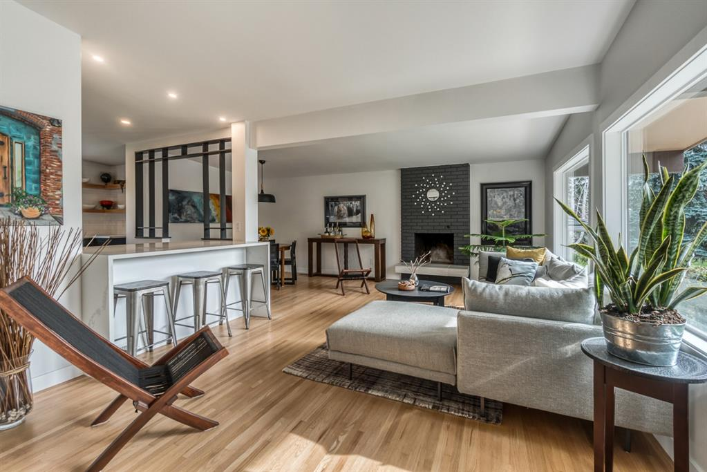 FEATURED LISTING: 624 SHERMAN Avenue Southwest Calgary