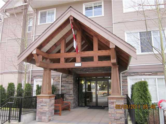 "Main Photo: 410 22150 DEWDNEY TRUNK Road in Maple Ridge: West Central Condo for sale in ""FALCON MANOR"" : MLS® # V872483"