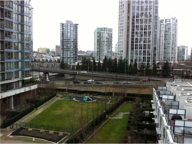 "Main Photo: 711 928 BEATTY Street in Vancouver: Downtown VW Condo for sale in ""MAX I"" (Vancouver West)  : MLS® # V876402"