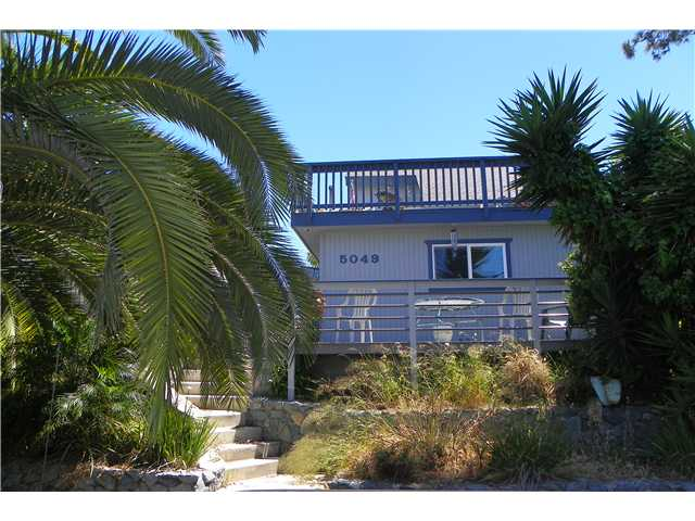 Main Photo: OCEAN BEACH House for sale : 2 bedrooms : 5049 Point Loma in San Diego