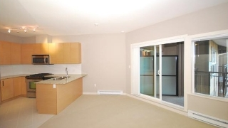 Main Photo: 404 5889 IRMIN Street in Burnaby: Metrotown Condo for sale (Burnaby South)  : MLS® # R2030866