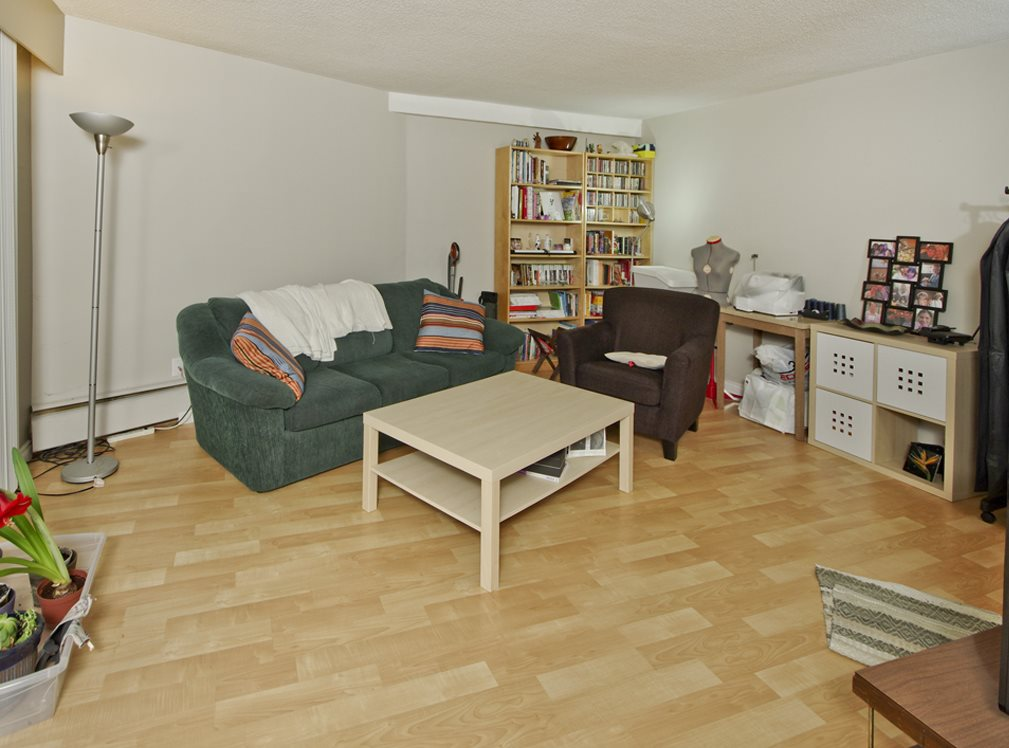 "Photo 3: 205 2222 CAMBRIDGE Street in Vancouver: Hastings Condo for sale in ""The Cambridge"" (Vancouver East)  : MLS(r) # R2046134"