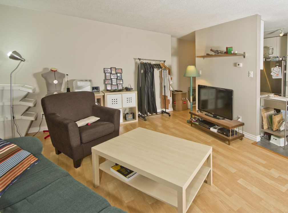 "Photo 2: 205 2222 CAMBRIDGE Street in Vancouver: Hastings Condo for sale in ""The Cambridge"" (Vancouver East)  : MLS(r) # R2046134"