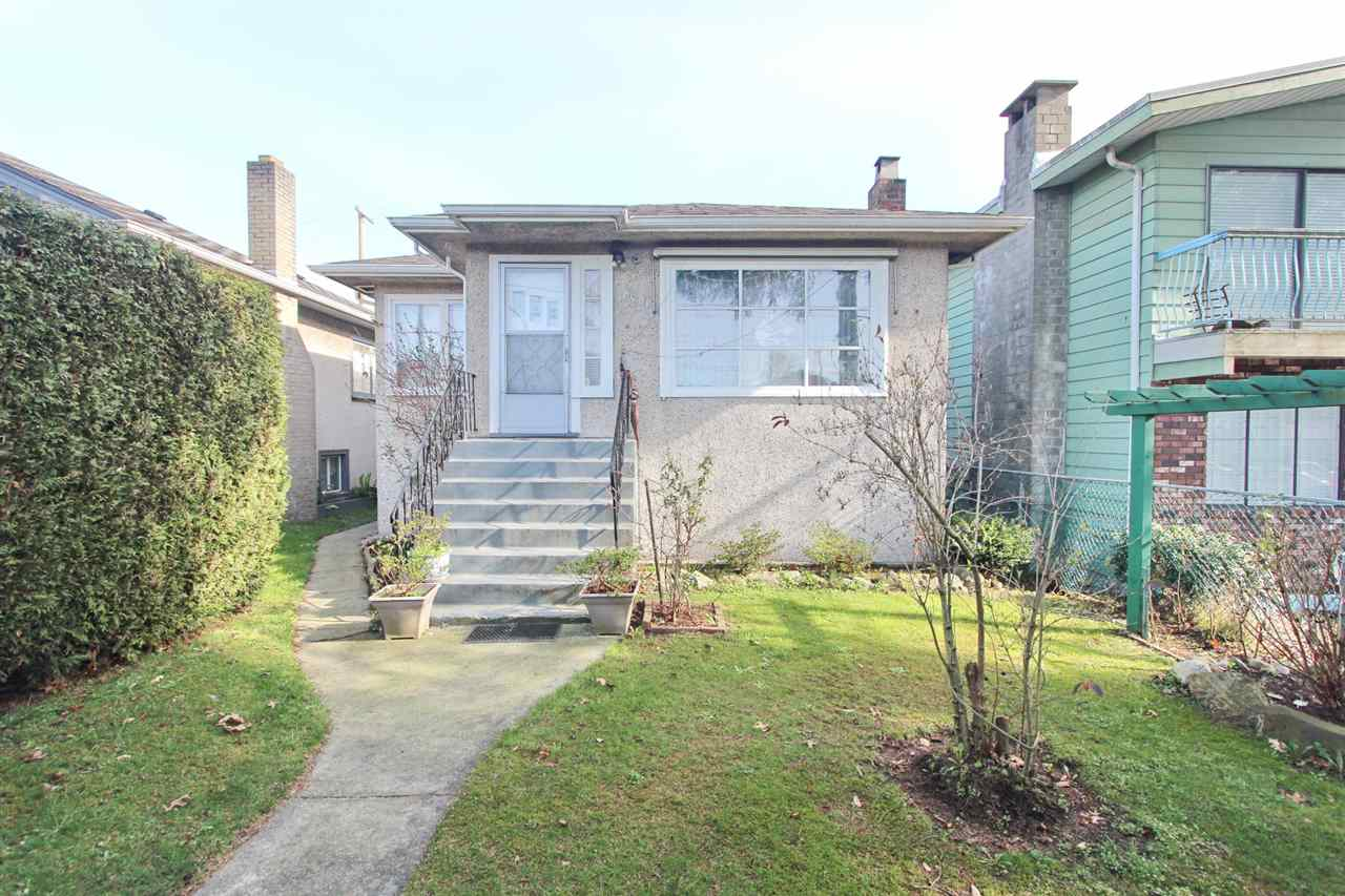 Main Photo: 8480 OAK Street in Vancouver: Marpole House for sale (Vancouver West)  : MLS(r) # R2062595