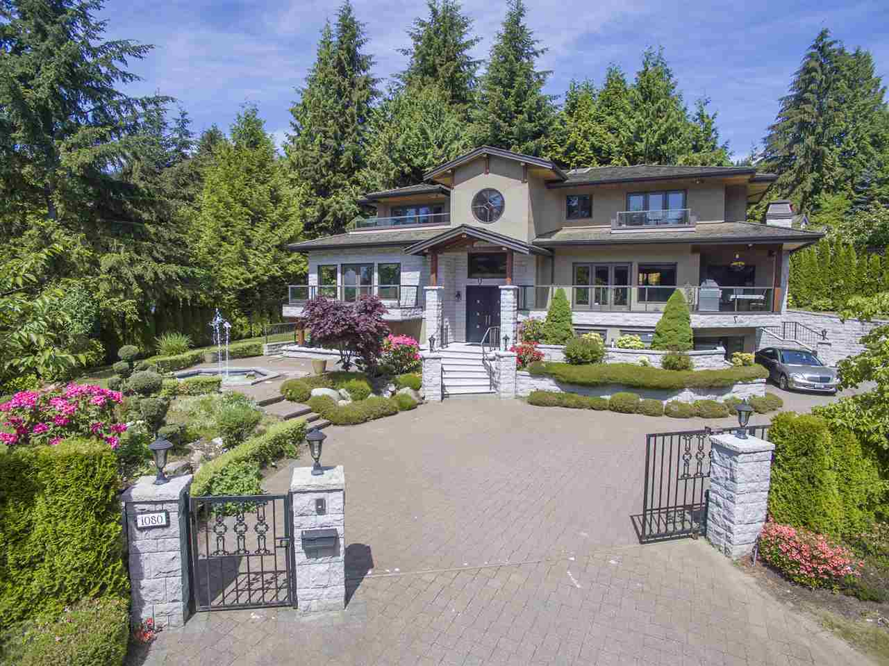 Photo 2: 1080 EYREMOUNT Drive in West Vancouver: British Properties House for sale : MLS® # R2070226