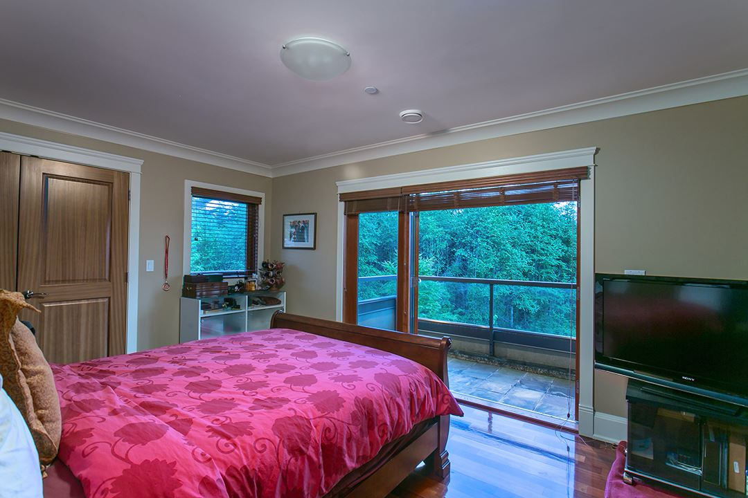 Photo 10: 1080 EYREMOUNT Drive in West Vancouver: British Properties House for sale : MLS® # R2070226