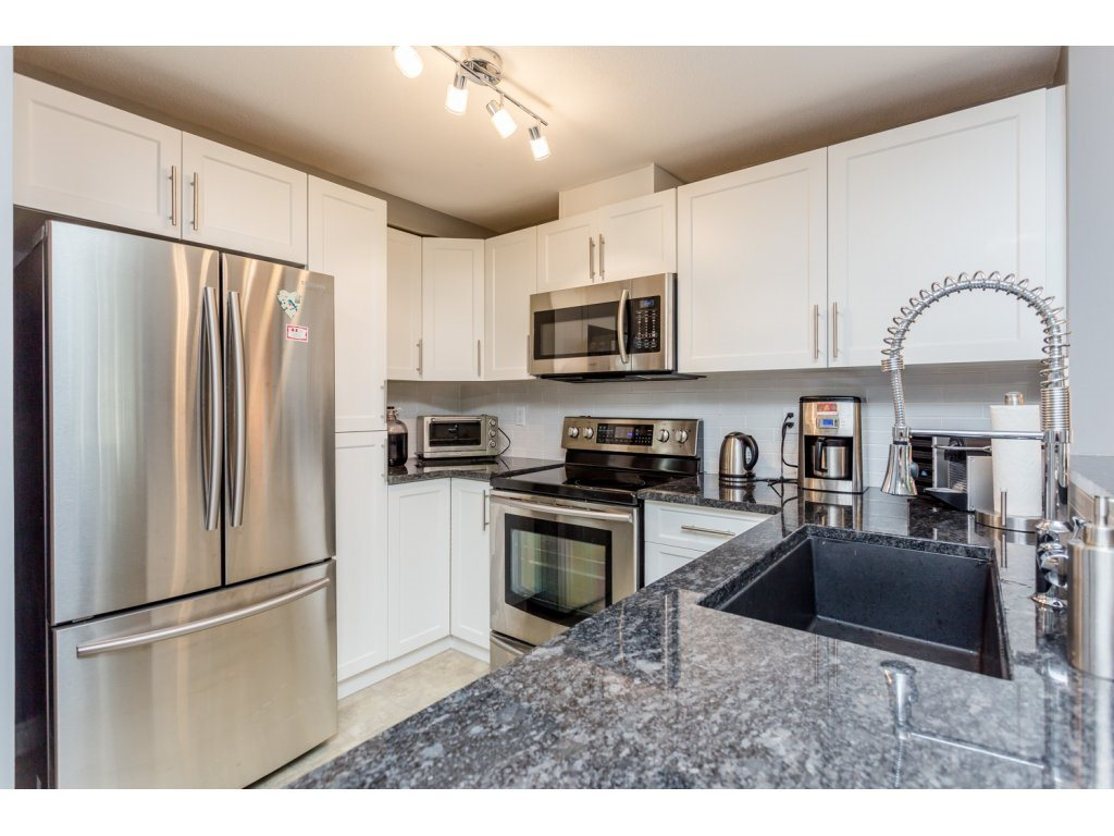 "Photo 12: 63 7488 SOUTHWYNDE Avenue in Burnaby: South Slope Townhouse for sale in ""LEDGESTONE 1"" (Burnaby South)  : MLS(r) # R2086598"
