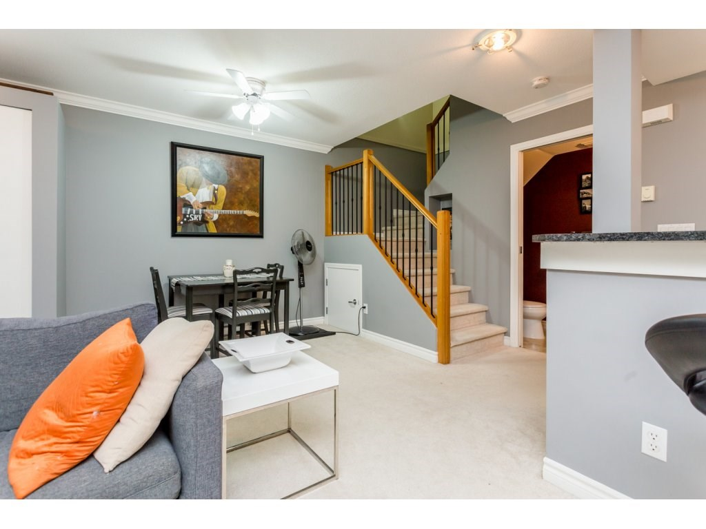 "Photo 5: 63 7488 SOUTHWYNDE Avenue in Burnaby: South Slope Townhouse for sale in ""LEDGESTONE 1"" (Burnaby South)  : MLS(r) # R2086598"