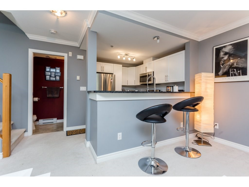"Photo 9: 63 7488 SOUTHWYNDE Avenue in Burnaby: South Slope Townhouse for sale in ""LEDGESTONE 1"" (Burnaby South)  : MLS(r) # R2086598"
