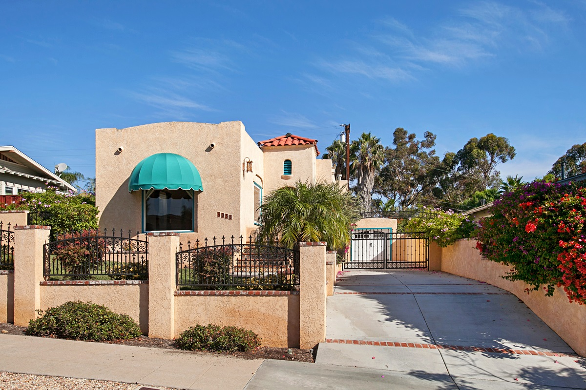 Main Photo: NORTH PARK House for rent : 2 bedrooms : 3058 Palm Street in San Diego
