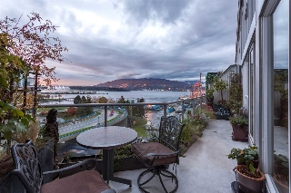 "Main Photo: 826 289 ALEXANDER Street in Vancouver: Hastings Condo for sale in ""THE EDGE"" (Vancouver East)  : MLS(r) # R2118817"