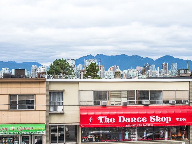 "Photo 12: 202 2550 SPRUCE Street in Vancouver: Fairview VW Condo for sale in ""SPRUCE"" (Vancouver West)  : MLS® # R2120443"