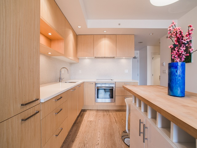 "Photo 3: 202 2550 SPRUCE Street in Vancouver: Fairview VW Condo for sale in ""SPRUCE"" (Vancouver West)  : MLS® # R2120443"