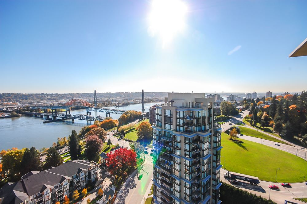 "Main Photo: 2302 15 E ROYAL Avenue in New Westminster: Fraserview NW Condo for sale in ""VICTORIA HILL"" : MLS® # R2134498"