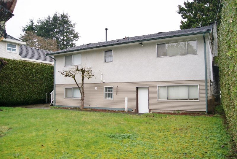 Photo 6: 9317 133A Street in Surrey: Queen Mary Park Surrey House for sale : MLS(r) # R2152812