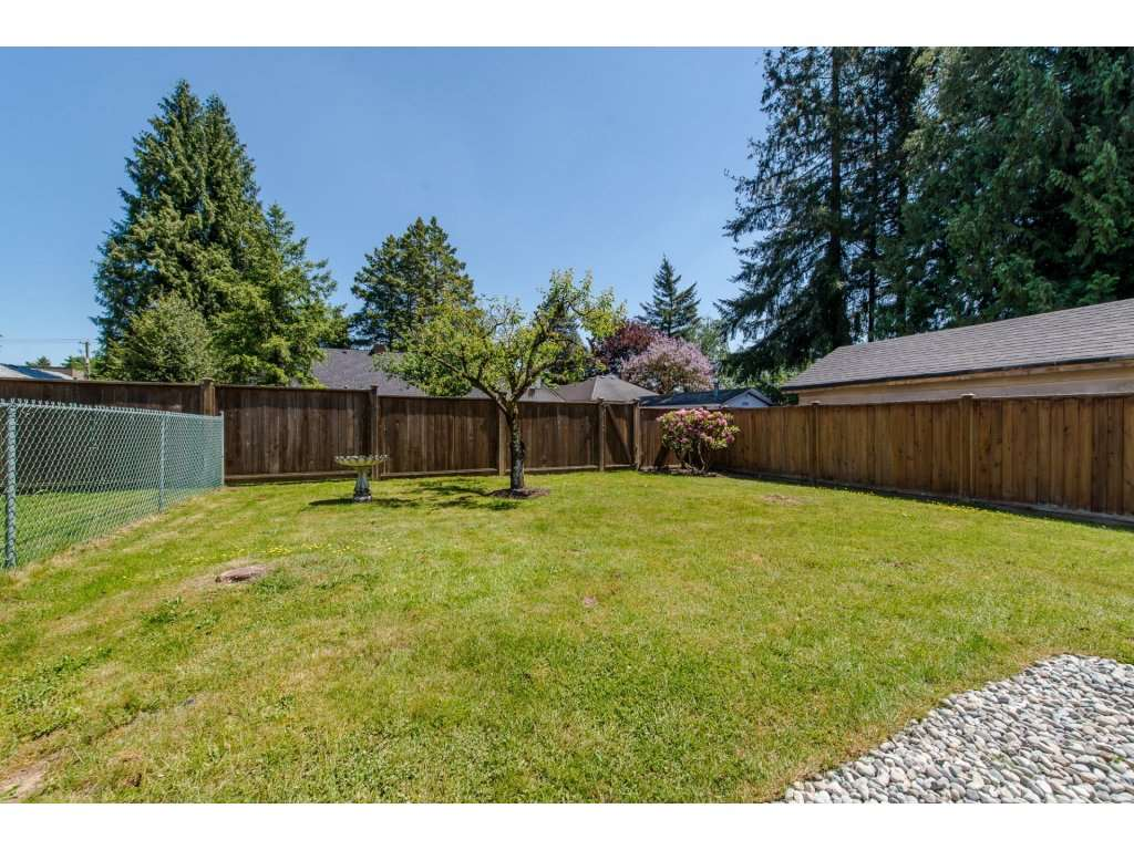 Photo 2: 2748 MOUNTVIEW Street in Abbotsford: Central Abbotsford House for sale : MLS(r) # R2171451