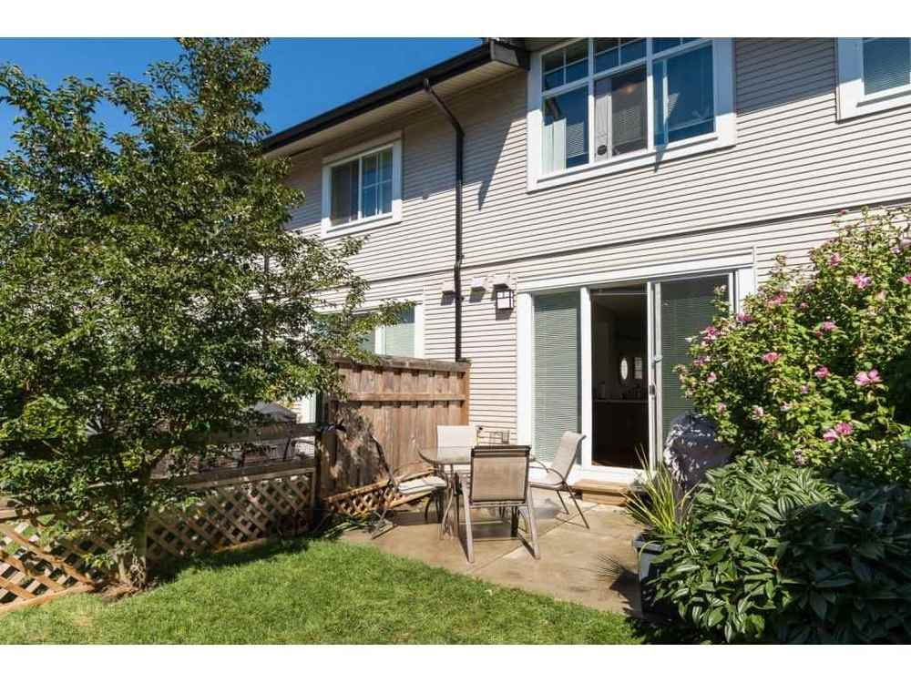 Photo 18: 108 2450 161A STREET in South Surrey White Rock: Home for sale : MLS(r) # R2101402