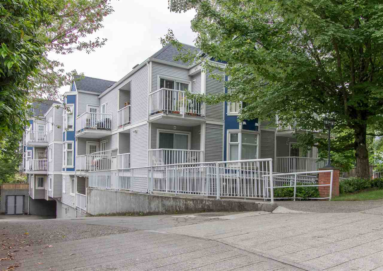 "Main Photo: 304 526 THIRTEENTH Street in New Westminster: Uptown NW Condo for sale in ""REGENT COURT"" : MLS(r) # R2175794"