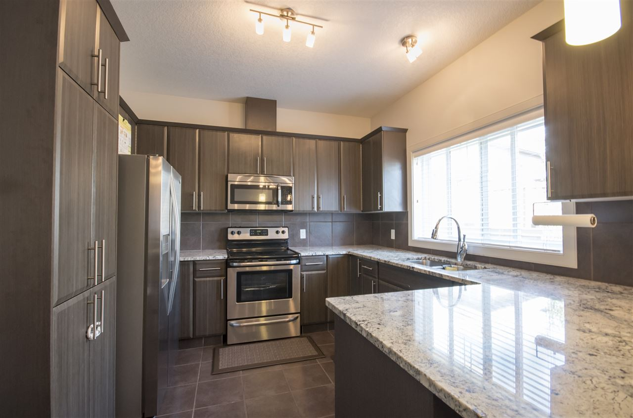 Photo 4: 23 450 MCCONACHIE Way in Edmonton: Zone 03 Townhouse for sale : MLS® # E4070224