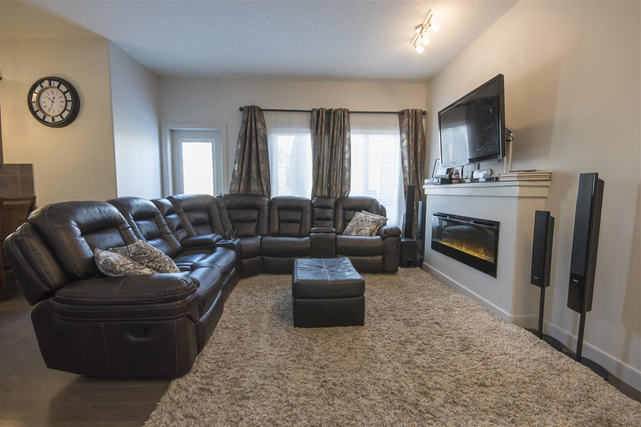 Photo 3: 23 450 MCCONACHIE Way in Edmonton: Zone 03 Townhouse for sale : MLS® # E4070224