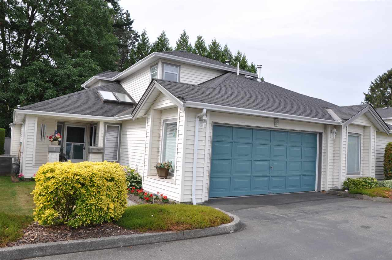 "Main Photo: 8 45302 JASPER Drive in Sardis: Sardis West Vedder Rd Townhouse for sale in ""Creekside"" : MLS® # R2183884"