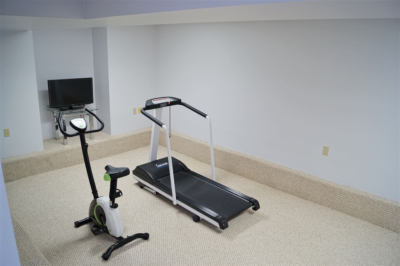 29) Exercise room