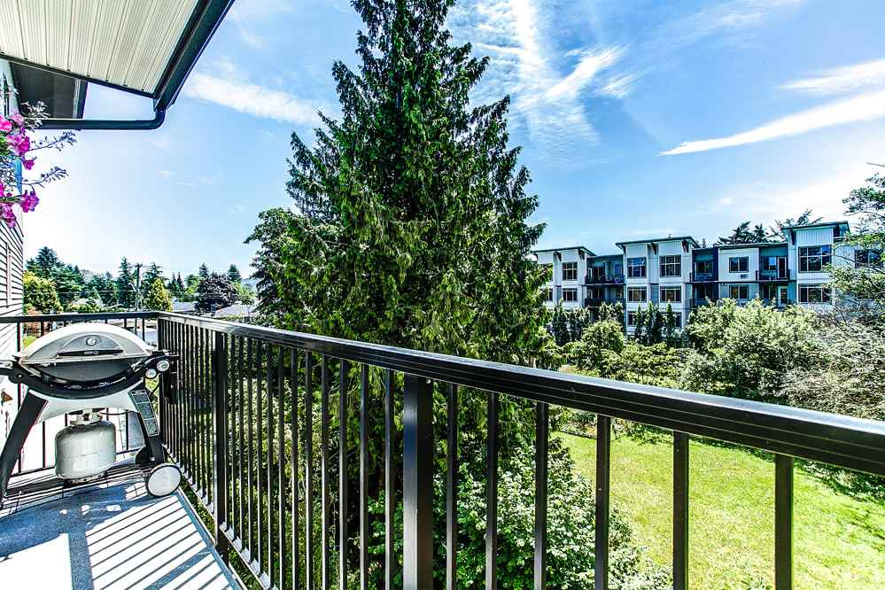 "Photo 14: 302 11935 BURNETT Street in Maple Ridge: East Central Condo for sale in ""KENSINGTON PLACE"" : MLS® # R2186960"