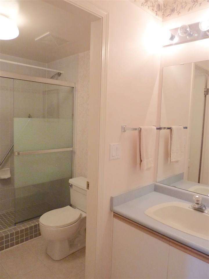 MB ensuite with walk - in shower