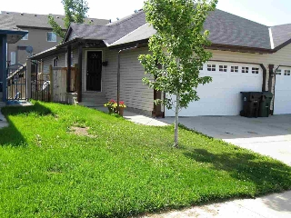 Main Photo: 33 SPRUCE GARDENS Crescent: Spruce Grove House Half Duplex for sale : MLS® # E4076544