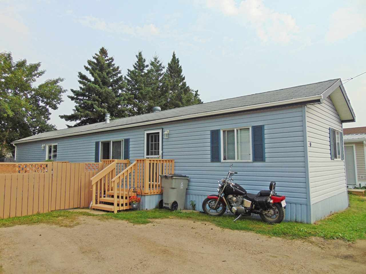 Main Photo: 4839 47 Street: Gibbons Mobile for sale : MLS® # E4078552