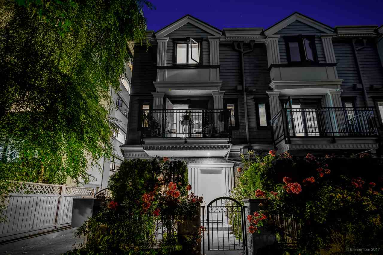 "Main Photo: 3 1135 BARCLAY Street in Vancouver: West End VW Townhouse for sale in ""Barclay Estates"" (Vancouver West)  : MLS® # R2204375"