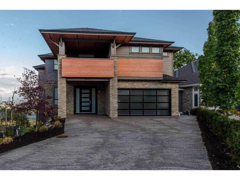 "Main Photo: 2682 AQUILA Drive in Abbotsford: Abbotsford East House for sale in ""EAGLE MOUNTAIN"" : MLS® # R2213626"